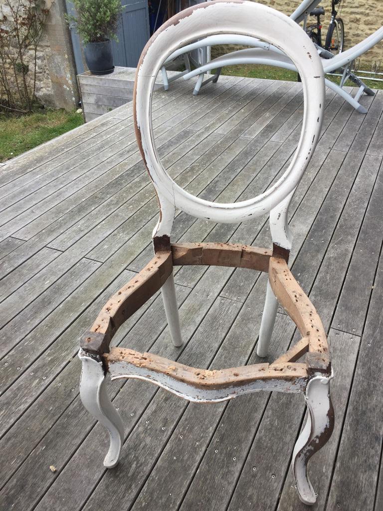 Réfection de chaises de style Louis Philippe en bois de palissandre - avant