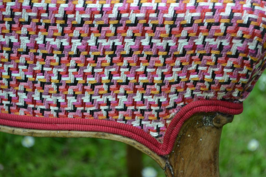 Chaise de style Louis Philippe en bois de palissandre - tissu de couverture: Éditeur Lelievre